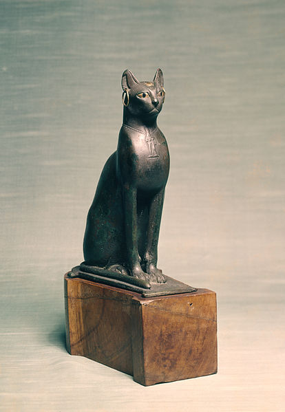 414px-Egyptian_-_Statue_of_a_Seated_Cat_-_Walters_54403_-_Three_Quarter