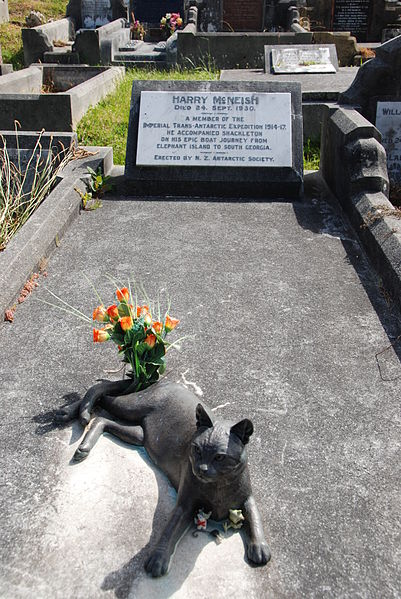 Harry McNeish's Grave with Statue of Mrs. Chippy